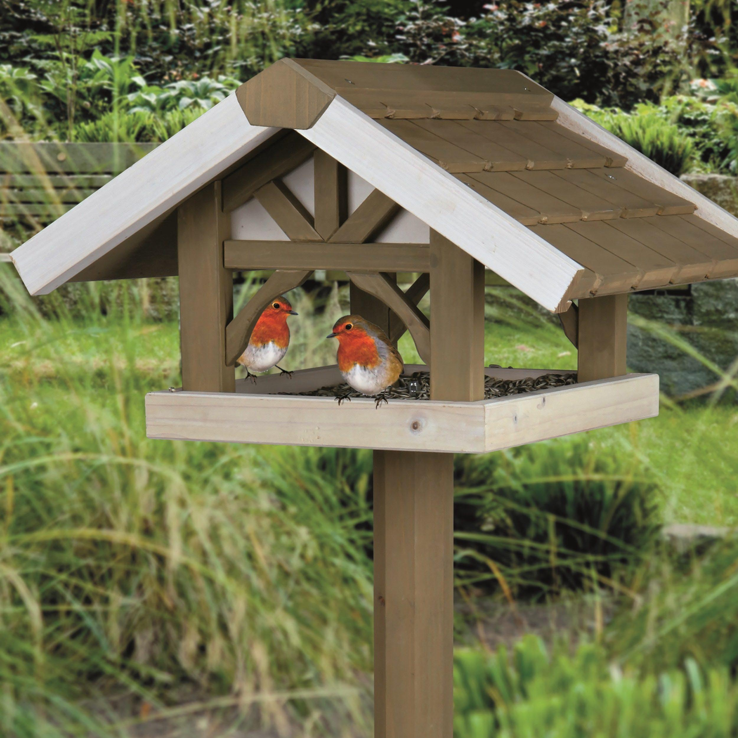 Outdoor Bird Feeder Stand