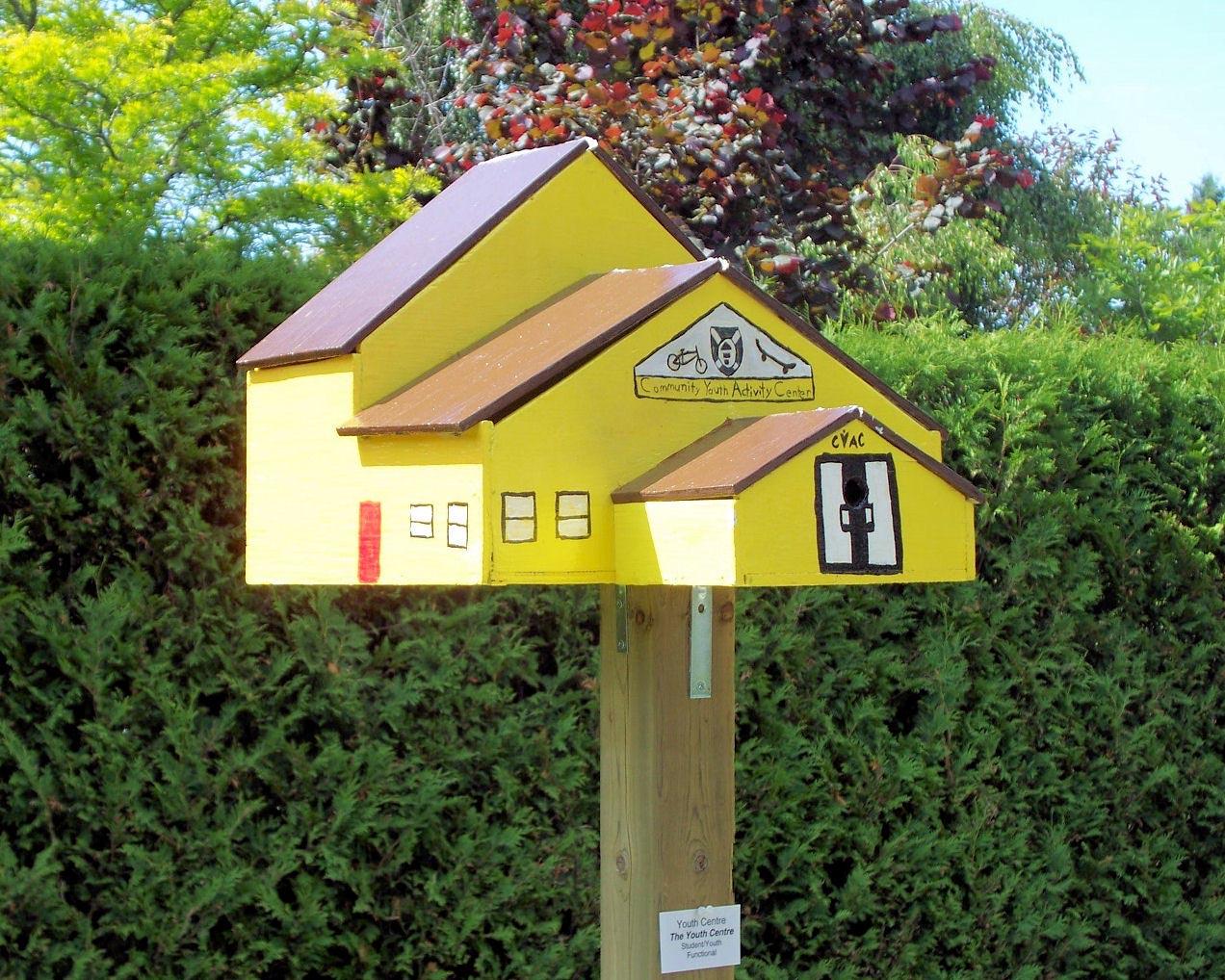Unique Bird Houses Designs