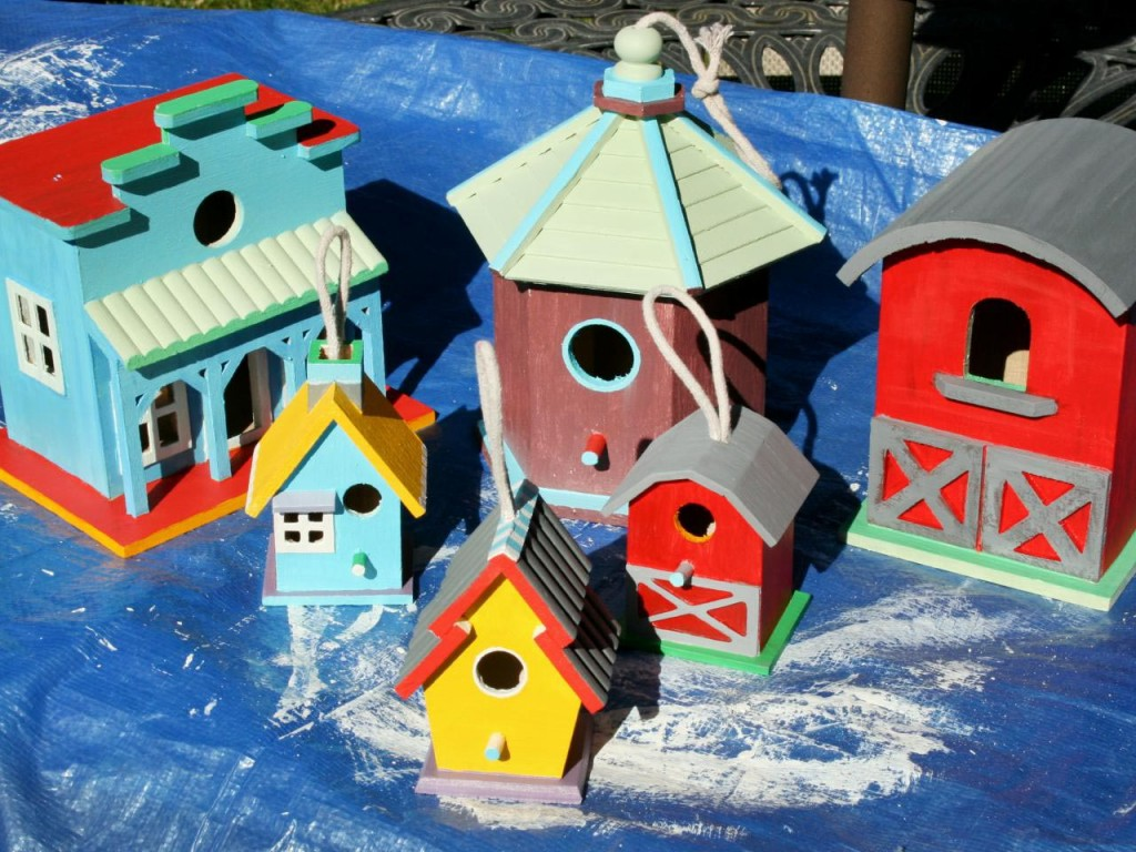 Decorating with Bird Houses