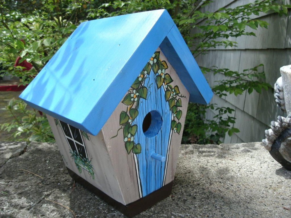 Ideas for Painting Wooden Bird Houses